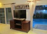 4) TV