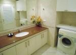 14. Washingmachine in Guest bathroom