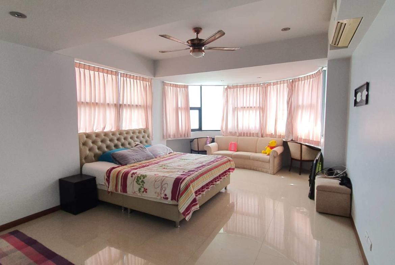 jomtien complex 3 bedroom for sale sea view