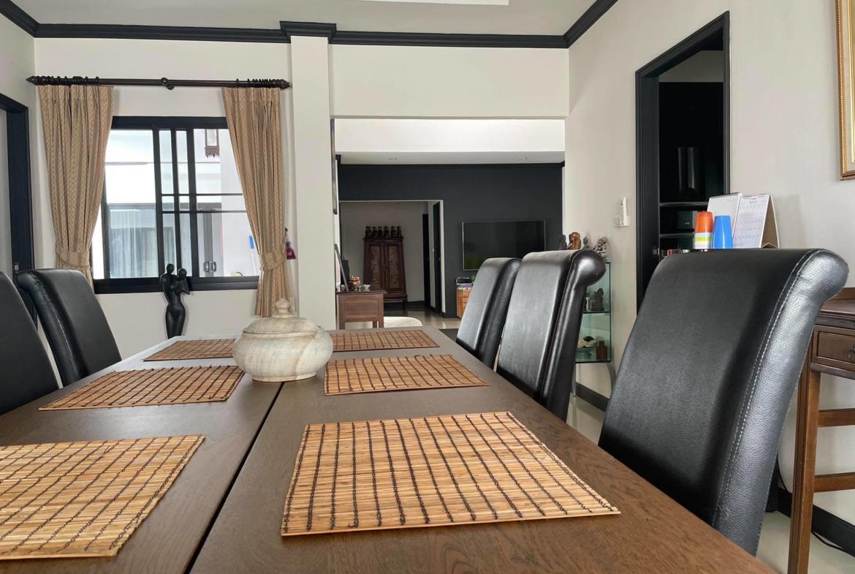 private pool villa mabrachan lake 5 bedroom big land for sale