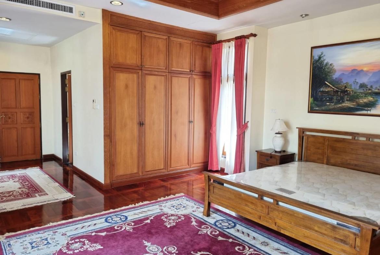 view talay marilla pool villa for sale pattaya